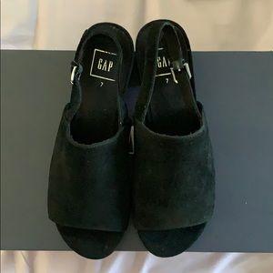 Gap genuine leather sandals